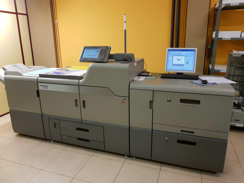 Impressors des de 1974 a Andorra. Més de 44 anys de confiança ens avalen com a impressors a Andorra. Durant dues generacions d'impressors ens hem compromès a crear i a imprimir missatges. L'experiència i el coneixement en les noves tecnologies en el món de la impremta ens ha permès evolucionar d'impremta amb vocació, a empresa de serveis gràfics globals, basada en l'assessorament, el disseny, la qualitat, les bones pràctiques mediambientals i sobre tot la seva satisfacció. Sense oblidar mai el millor preu possible.